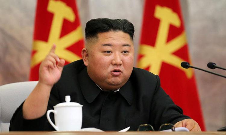 Εμφανίστηκε ξανά μετά από τρεις εβδομάδες ο «εξαφανισμένος» Κιμ Γιονγκ Ουν