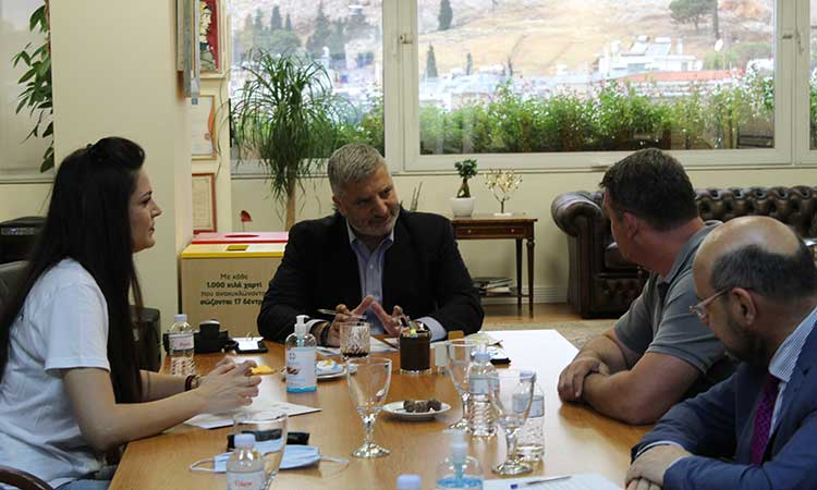 Γ. Πατούλης: Συνεχίζουμε να είμαστε δίπλα στους Έλληνες Τσιγγάνους