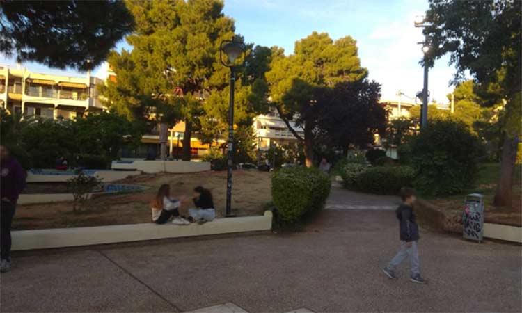 Αγία Παρασκευή η Πόλη μας:  Φαίνεται ότι περισσότερο απ'όλα, ο κ. Σταθόπουλος «συμπονά» τον εργολάβο στην πλατεία Άη Γιάννη