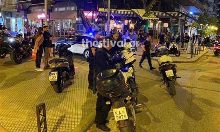 Θεσσαλονίκη: Παρέμβαση της Αστυνομίας λόγω συνωστισμού έξω από κεντρικά μπαρ