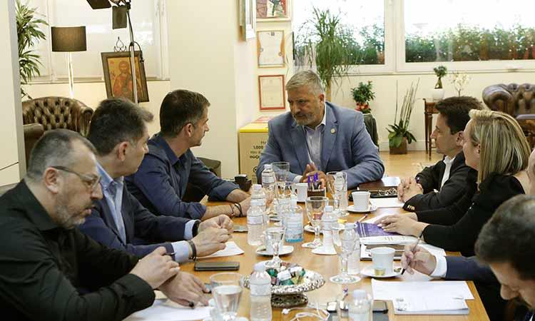 Για τον «Μεγάλο Περίπατο της Αθήνας» συζήτησαν Γ. Πατούλης και Κ. Μπακογιάννης
