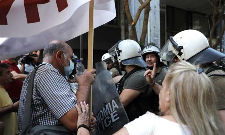 ΑΔΕΔΥ: «ΜΑΤ και βία» στη σημερινή συγκέντρωση για τα ΒΑΕ