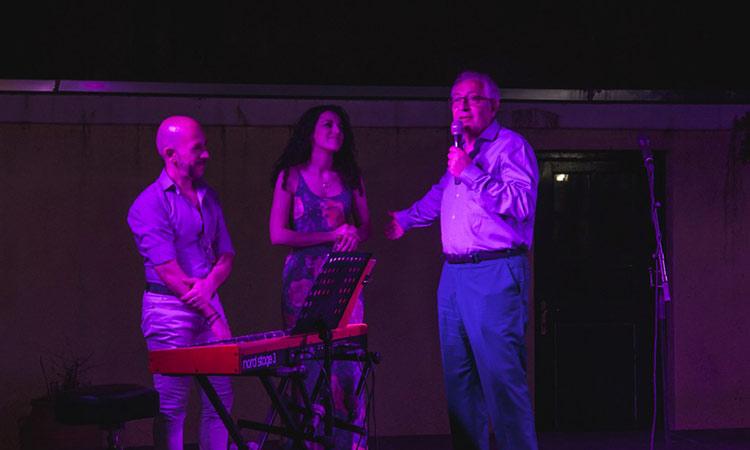 Στη μουσική βραδιά της ΚΕΔΑ «Τραγούδια κάτω απ' το φεγγάρι» ο Θ. Αμπατζόγλου