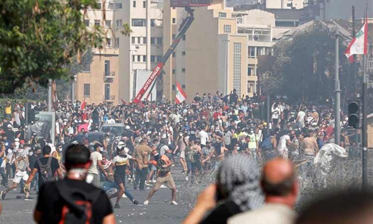 Βηρυτός: Δακρυγόνα από την αστυνομία κατά διαδηλωτών που προσπάθησαν να φτάσουν στο κοινοβούλιο