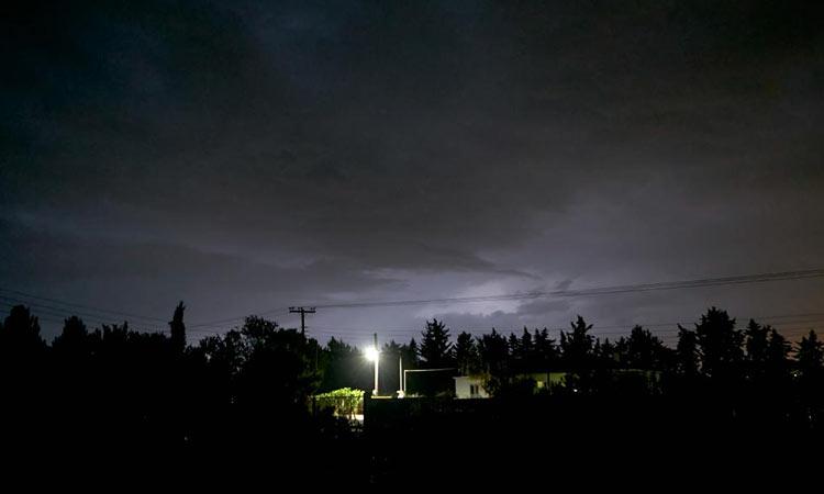 Καιρός: «Προελαύνει» στη χώρα η «Θάλεια» – Πλημμυρισμένοι δρόμοι, χαλάζι και καταστροφές (βίντεο)