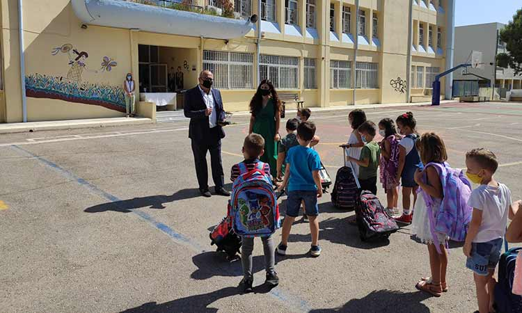Με όλα τα απαραίτητα μέσα και μέτρα άνοιξαν τα σχολεία στον Δήμο Ηρακλείου Αττικής