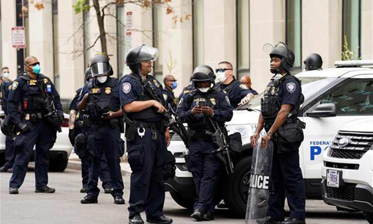 ΗΠΑ: Αστυνομικοί στο Λος Άντζελες δέχθηκαν πυρά σε ενέδρα