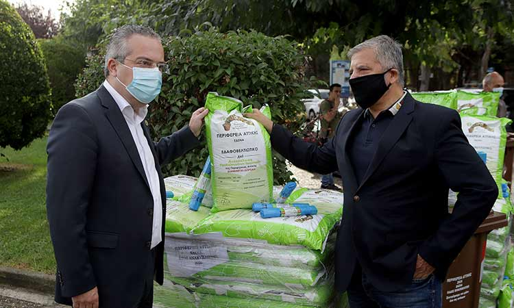 Απορριμματοφόρο σύγχρονης τεχνολογίας και κάδους συλλογής βιοαποβλήτων παρέλαβε ο Δήμος Παπάγου-Χολαργού