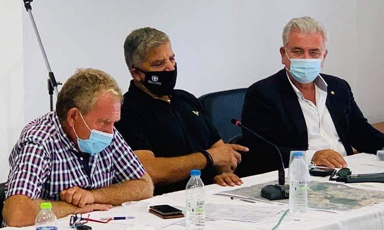Στην έκτακτη συνεδρίαση του Δ.Σ. Σαρωνικού μετά τη μεγάλη φωτιά ο Γ. Πατούλης