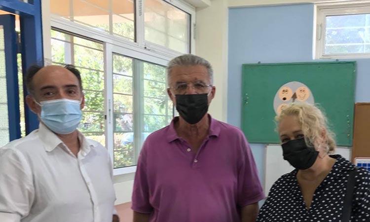 Η Συμμαχία Πολιτών επισκέφθηκε τα σχολεία Λυκόβρυσης – Πεύκης πριν χτυπήσει το κουδούνι