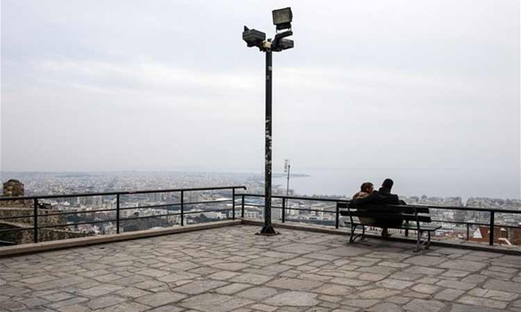 Πτώση 23χρονου από τον Πύργο Τριγωνίου, στην Άνω Πόλη Θεσσαλονίκης