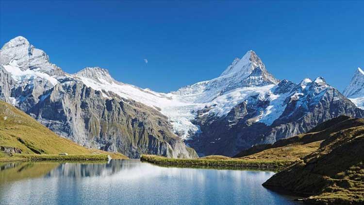 Μελέτη: Οι ελβετικοί παγετώνες λιώνουν με ανησυχητικό ρυθμό
