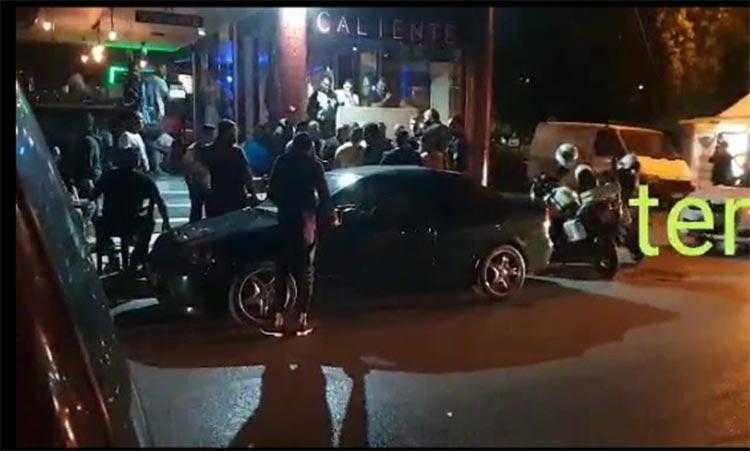 Πάτρα: Επιτέθηκαν σε αστυνομικούς κατά τη διάρκεια ελέγχου σε καφενείο όπου επικρατούσε συνωστισμός