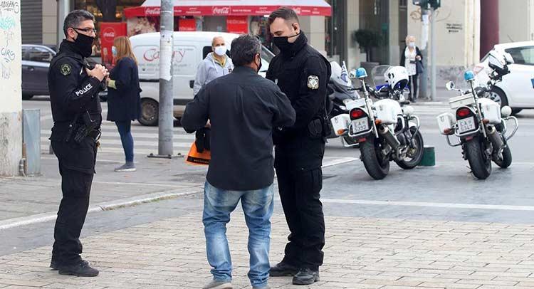 Lockdown: Διπλασιάζονται τα πρόστιμα – Στα 300 ευρώ η «καμπάνα» για άσκοπη μετακίνηση
