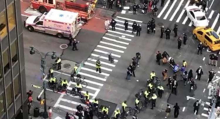 Νέα Υόρκη: Αυτοκίνητο έπεσε πάνω σε διαδηλωτές του Black Lives Matter – Έξι τραυματίες