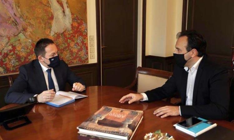 Συνάντηση αν. υπουργού Εσωτερικών Στ. Πέτσα με τον πρόεδρο της ΚΕΔΕ Δ. Παπαστεργίου