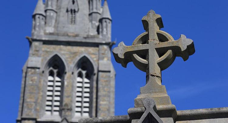 Απίστευτο σκάνδαλο δεκαετιών στην Ιρλανδία: 9.000 παιδιά έχασαν τη ζωή τους σε ιδρύματα της Καθολικής Εκκλησίας