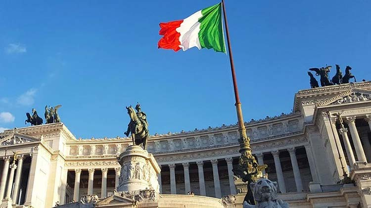 Ιταλία: Υπεροχή της κεντροδεξιάς σε περίπτωση πρόωρων εκλογών