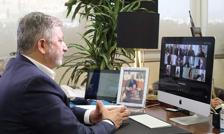 Διαδικτυακή κοπή πίτας στο Κέντρο Επιχειρήσεων Διαχείρισης Πανδημίας της Περιφέρειας Αττικής και του ΙΣΑ