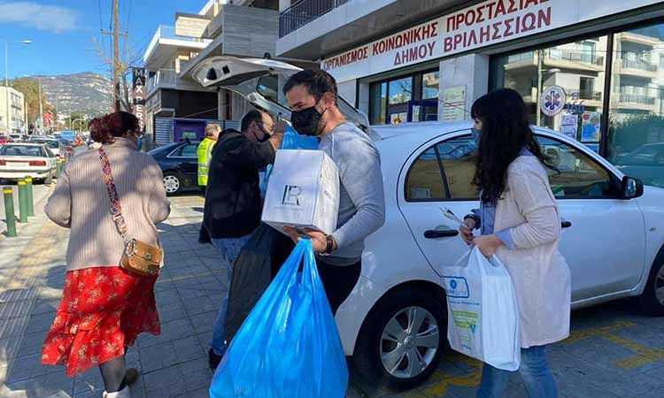 Μεγάλη ποσότητα φαρμάκων από το Κοινωνικό Φαρμακείο Δήμου Βριλησσίων στο «Άγγιγμα Ζωής»