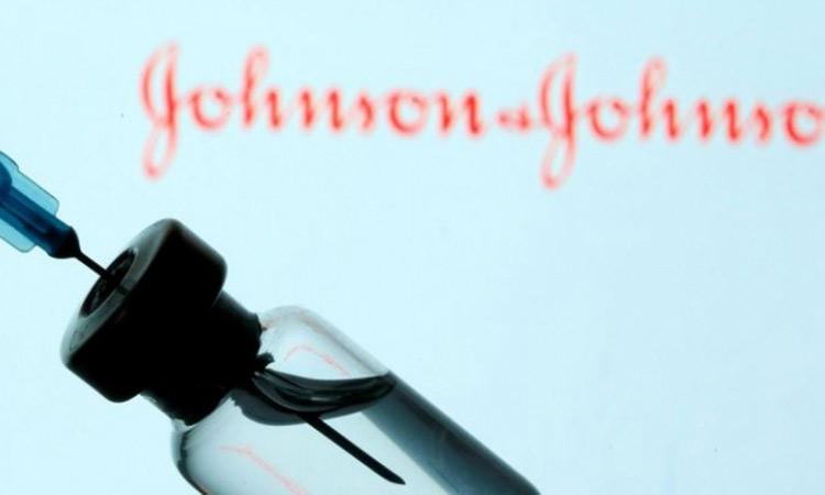 Ηλ. Μόσιαλος για εμβόλιο Johnson & Johnson: Μέχρι και 100% η προστασία νοσηλείας για κορωνοϊό