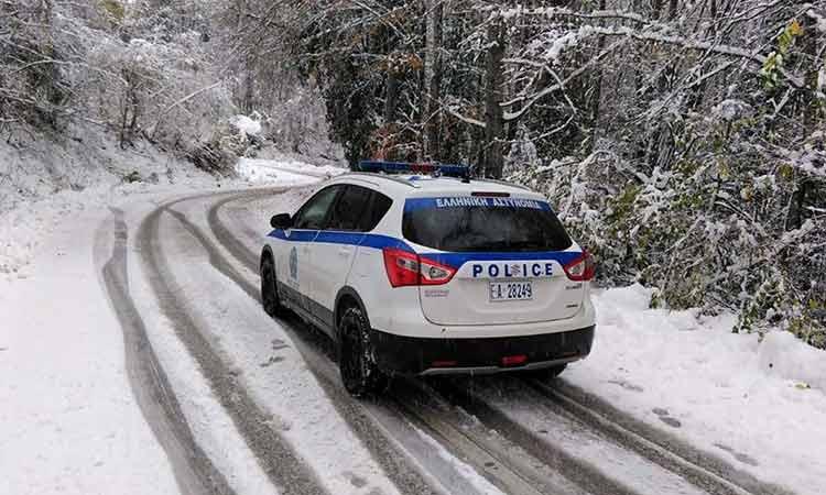Συνεχίζονται τα προβλήματα κυκλοφορίας οχημάτων σε πέντε σημεία της Αττικής λόγω της πρόσφατης κακοκαιρίας