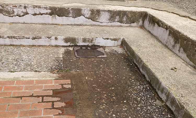 Στη Βουλή έφτασε το χρόνιο πρόβλημα με τους αγωγούς ακαθάρτων στο Ηλιακό Χωριό Δήμου Λυκόβρυσης-Πεύκης