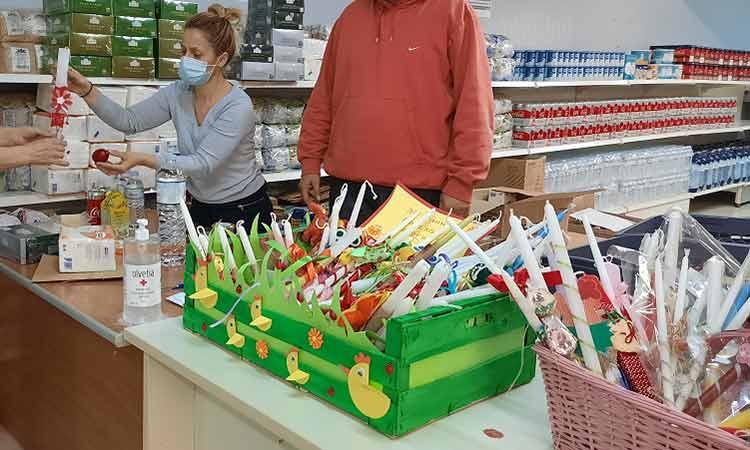Επιτυχώς ολοκληρώθηκε η πασχαλινή διανομή τροφίμων από το Κοινωνικό Παντοπωλείο Δήμου Χαλανδρίου
