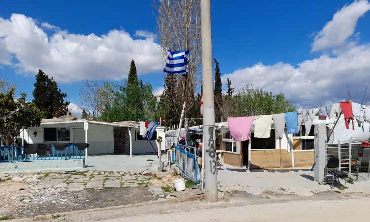 Διανομή τροφίμων και ειδών πρώτης ανάγκης στον καταυλισμό των Ρομά από τον Δήμο Χαλανδρίου