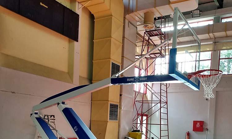 Νέες μπασκέτες στο κλειστό γυμναστήριο «Ολυμπιονίκης Χαρά Καρυάμη» στο Ηράκλειο Αττικής