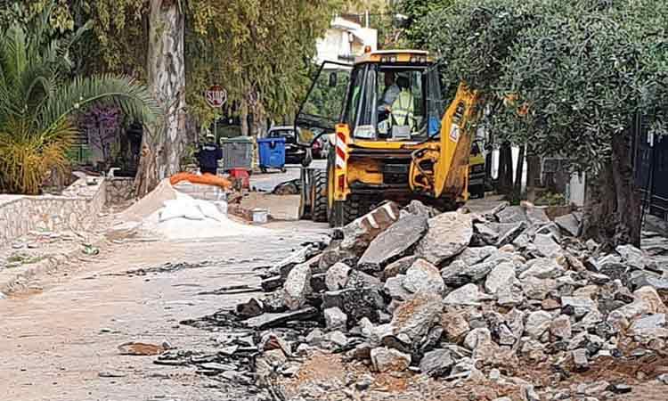 Συνεχίζεται η ανάπλαση της παραρεμάτιας διαδρομής  στον Συνοικισμό Χαλανδρίου