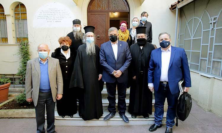 O Γ. Πατούλης παρέδωσε τρόφιμα για κάλυψη αναγκών μελών Ελληνικού Συνδέσμου Παναγίου Τάφου και Ιεράς Μονής Σινά