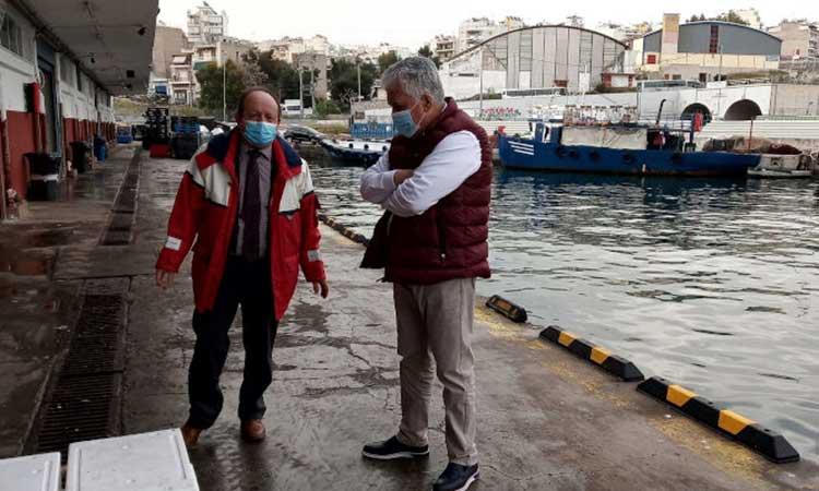 Την Ιχθυόσκαλα Κερατσινίου επισκέφθηκε ο δήμαρχος Αγίας Παρασκευής