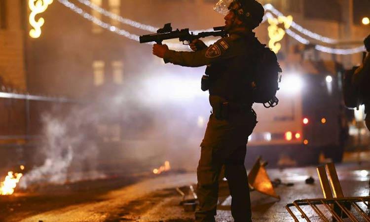 Ισραήλ: Συνεχίζονται οι ταραχές στην Ιερουσαλήμ – Συγκρούσεις Παλαιστινίων διαδηλωτών με ισραηλινή αστυνομία