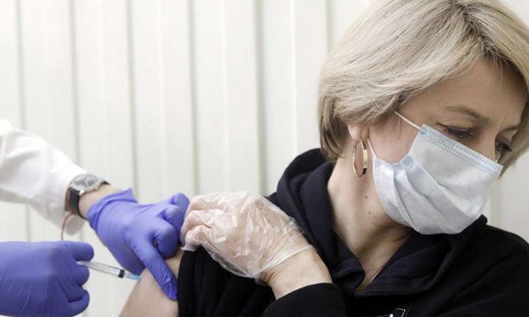 Εμβόλιο: Νέο ρεκόρ στα ραντεβού των 45άρηδων μέσα σε λίγες ώρες