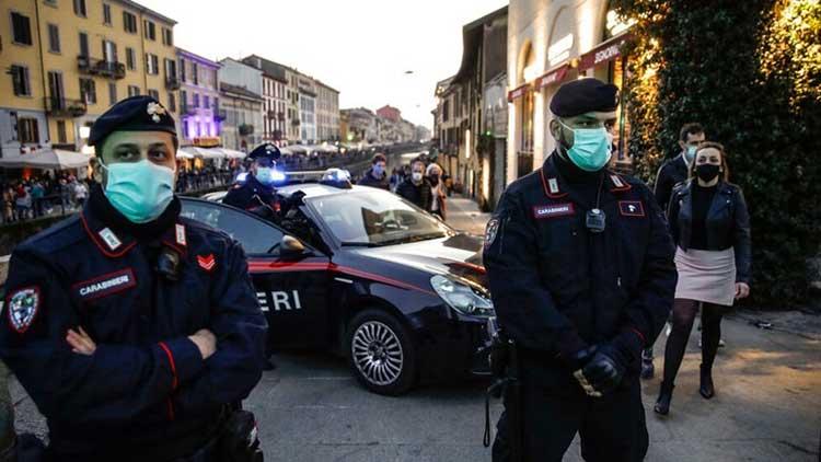 Ιταλία: Έρευνα για διάδοση ρατσιστικών και νεοναζιστικών ιδεών – Ο ρόλος της «μις Χίτλερ»