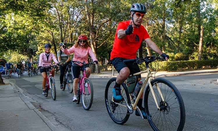Ποδηλάτες από 6 έως 80 ετών έλαβαν μέρος στην ποδηλατοβόλτα που ξεκίνησε από Κηφισιά