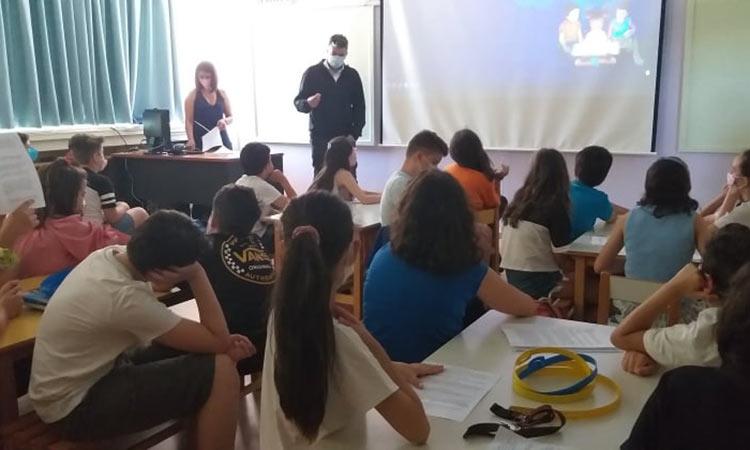 Επίσκεψη Ξ. Μανιατογιάννη στους μαθητές του 4ου Δημοτικού Βριλησσίων
