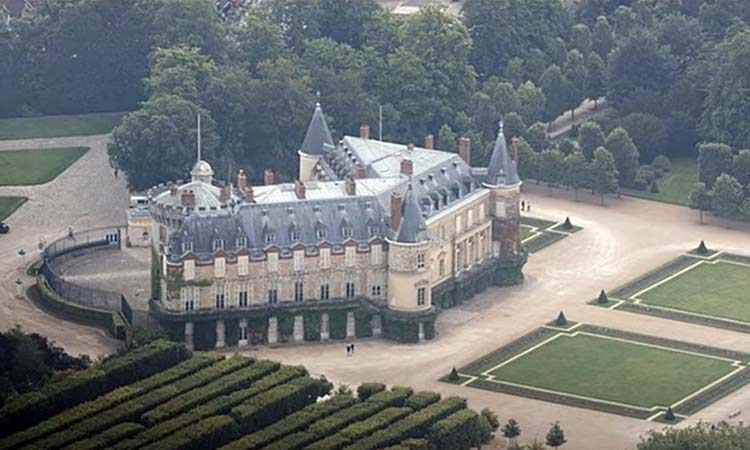 «Το Γαλακτοκομείο (Laiterie) της Βασίλισσας στο Rambouillet» από το Ελεύθερο Πανεπιστήμιο Δήμου Κηφισιάς