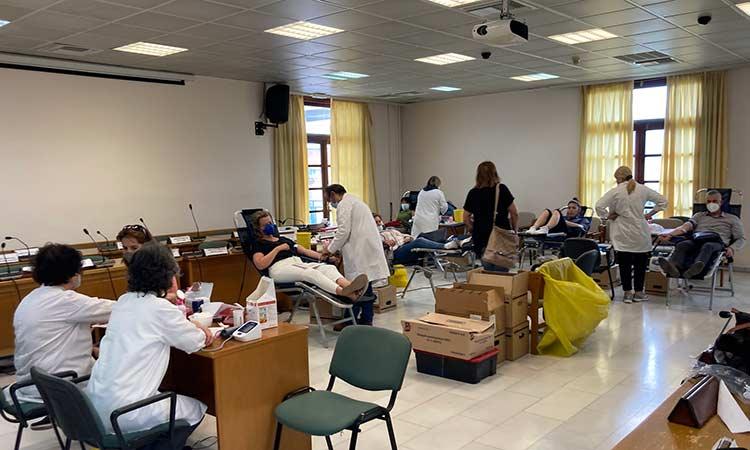 Με επιτυχία ολοκληρώθηκε η αιμοδοσία στον Δήμο Πεντέλης