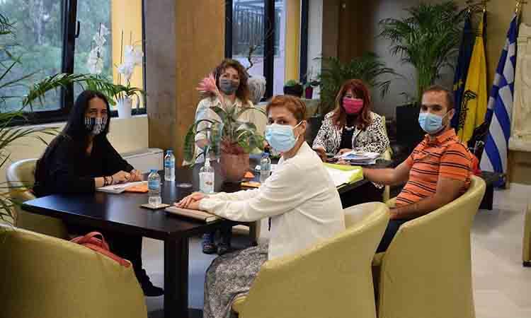 Συνάντηση δημάρχου με εκπροσώπους από τον χώρο της Παιδείας για το Πειραματικό στο 3ο Δημοτικό Ν. Ιωνίας