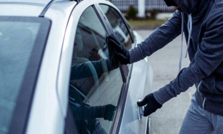 Συνελήφθη 53χρονος αλλοδαπός για κλοπές από ΙΧΕ αυτοκίνητα σε Κηφισιά και Ν. Ερυθραία