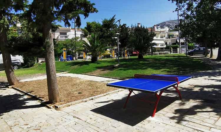 Τοποθετήθηκαν τα πρώτα υπαίθρια τραπέζια πινγκ πονγκ σε εξωτερικούς χώρους του Δήμου Πεντέλης
