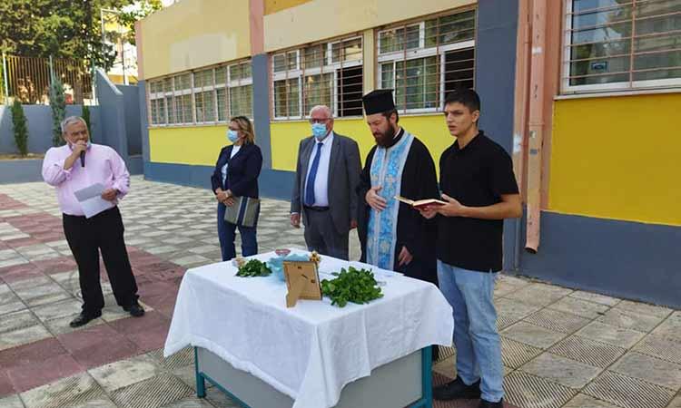 Σε αγιασμούς σχολείων στην Πεύκη παραβρέθηκε ο αντιδήμαρχος Π. Ιωάννου