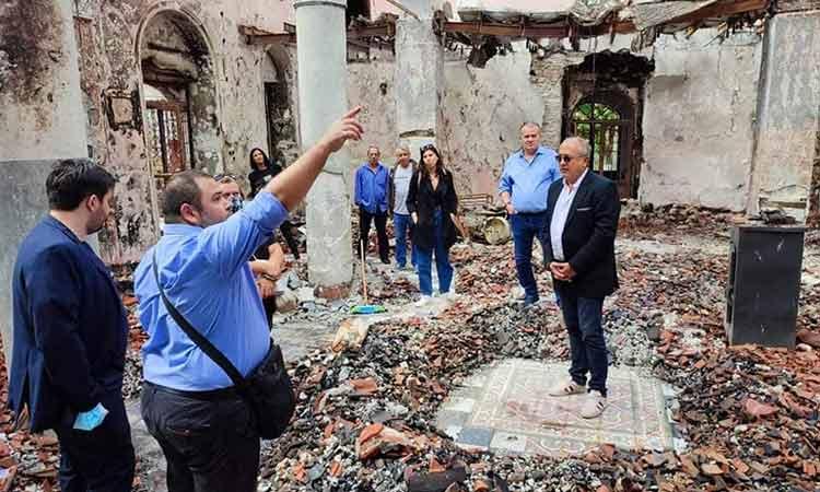 Στην ανοικοδόμηση του χωριού Κοκκινομηλιάς, που επλήγη από τις πυρκαγιές, συμβάλλει ο Δήμος Ηρακλείου Αττικής