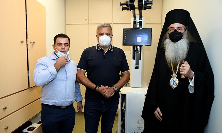 Δωρεά μηχανήματος κινησιοθεραπείας και αποκατάστασης από την Περιφέρεια Αττικής στο Γηροκομείο Πειραιώς