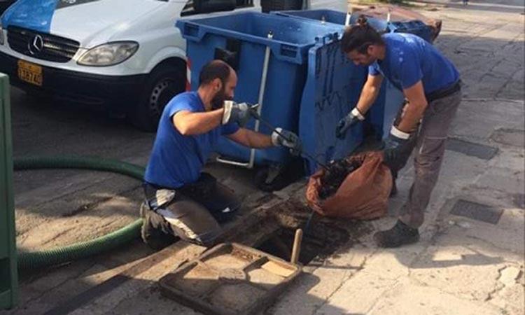 Συνεχίζεται ο προληπτικός καθαρισμός των φρεατίων στον Δήμο Παπάγου-Χολαργού