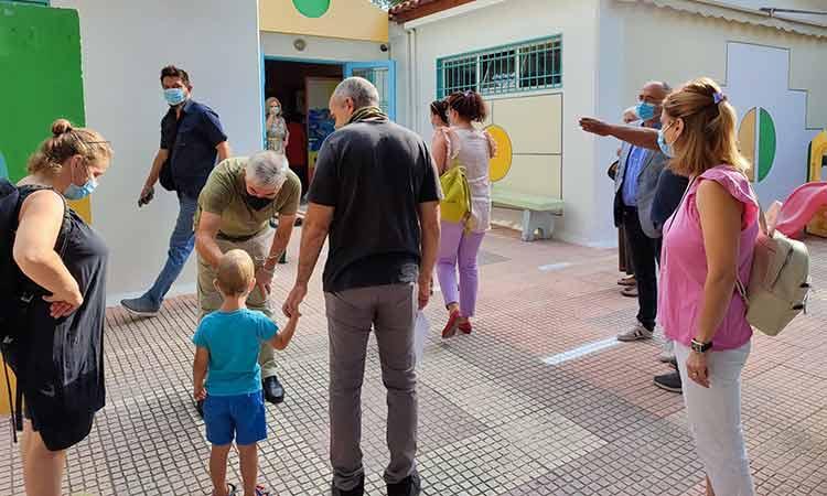 Πώς υποδέχθηκαν τους μαθητές τα σχολεία του Δήμου Ηρακλείου Αττικής για τη νέα σχολική χρονιά