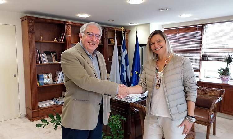 Τι ευχές του δημάρχου δέχθηκε η νέα πρόεδρος του Εμπορικού Συλλόγου Αμαρουσίου Μάχη Νικολαράκου