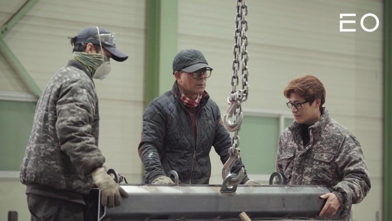 용현산업의 직원이 근무하는 모습